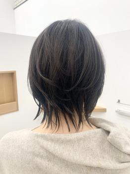 地毛よりちょっとあかるい艶髪ショート!
